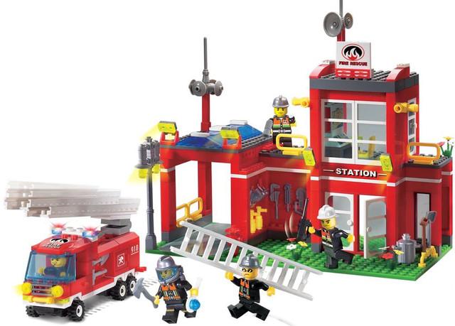 Детский Конструктор Пожарная часть Brick 910