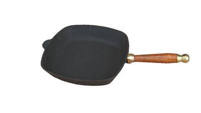 Сковорода чугунная  26*26 см с деревянной ручкой