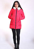 Длинная женская куртка утепленная красного цвета