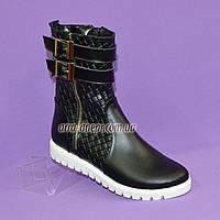 Женские кожаные зимние ботинки на утолщенной подошве, декорированы молнией и ремешками., фото 1