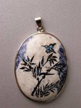 Подвески из натуральных камней с росписью