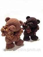 Шоколадный сувенир на 8 марта для девочек. Мишка с букетом цветов