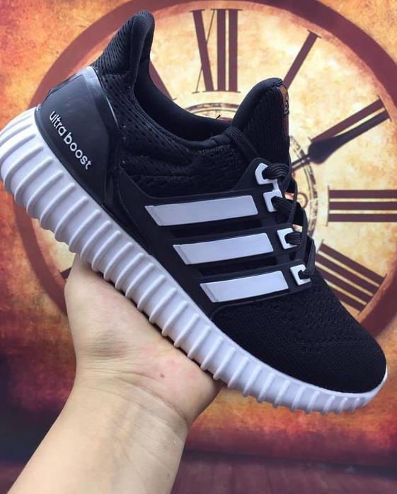Кроссовки женские  Adidas Ultra Boost Yeezy 350 - 22w оригинал