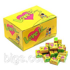 Блок жвачек Love is желтый (ананас-кокос), подарки на 14 февраля