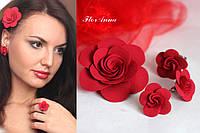 """Авторский комплект украшений """"Красные розы"""" серьги+заколка+колечко. Подарок на 8 марта"""