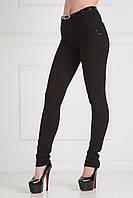 Утепленные женские брюки на байке черного цвета в горошек с пояском на талии