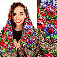 Красивый женский платок с цветами
