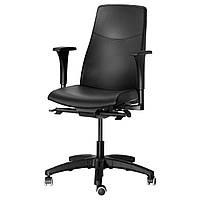 Кресло IKEA VOLMAR вращающееся с подлокотниками Mjuk черный 990.317.38