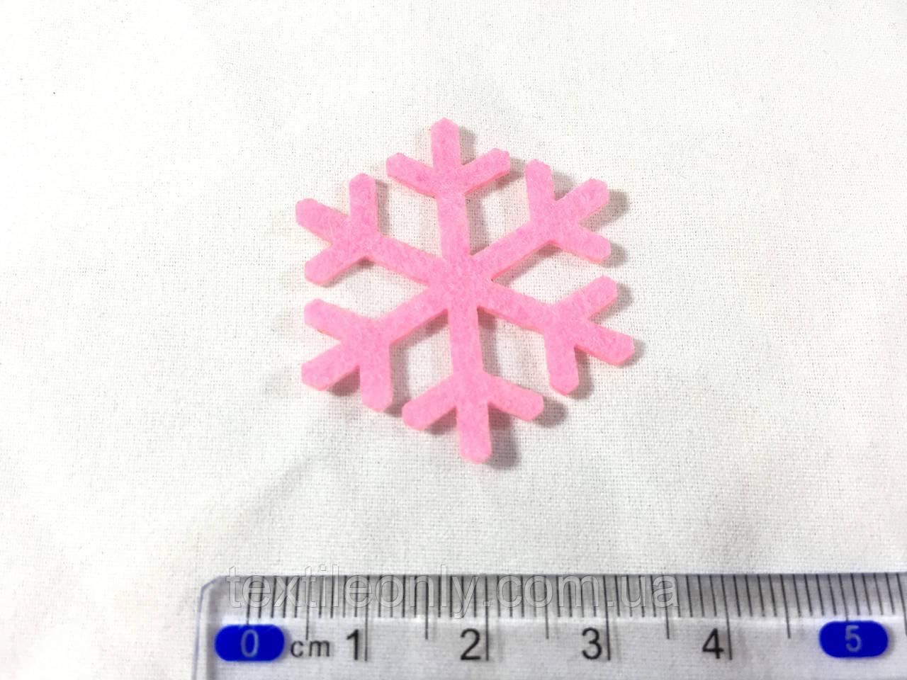 Нашивка снежинка малиновая 35мм
