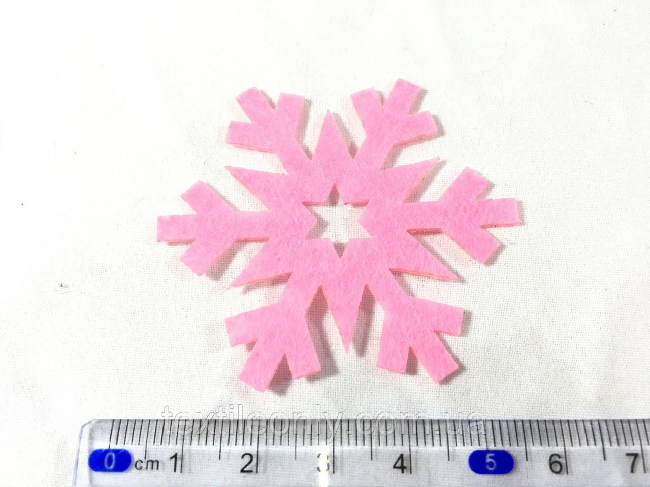 Нашивка сніжинка малинова 55 мм