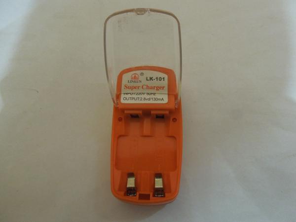 Зарядное устройство на 2 пальчиковых аккумулятора АА и ААА.