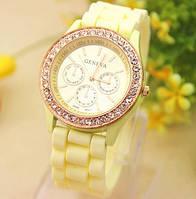 Часы женские  Geneva Fashion beige (бежевый)