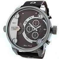 Современные  часы Alberto Kavalli