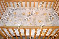 Защита бортик из 4 частей в детскую кроватку для новорожденных (мишка на месяце белый)