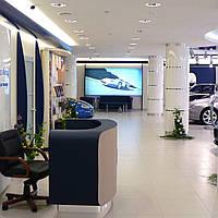 Интерьеры мест продаж, офисных помещений, магазинов, автосалонов
