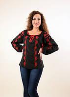 Традиционная блуза вышиванка в черном цвете с красным орнаментом