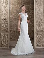 """Роскошное гипюровое свадебное платье силуэта """"рыбка"""", украшенное цветочными аппликациями"""