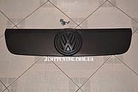 Зимняя накладка на решетку Volkswagen Transporter T5 (решетка Фольксваген Транспортер Т5)