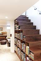 Лестницы со встроенными полками, нишами