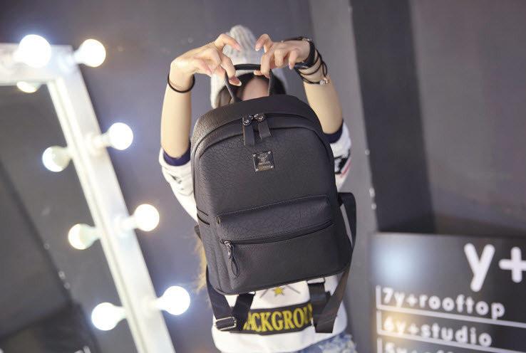 Рюкзак женский граффити.