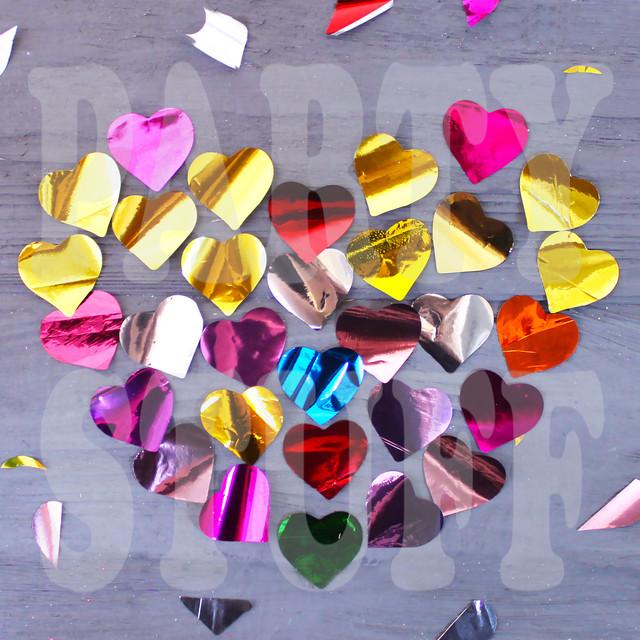 конфетти сердечки