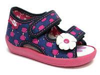 Тапочки (босоножки) для девочки Renbut малиновые бантики