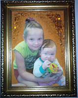 Портреты из янтаря в рамке на заказ.