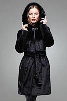 Роскошная женская шуба Кембрия в черном цвете мех мутон капюшён декорирован брошью