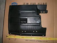 Брызговик колеса переднего левый JAC-1020 (Джак)