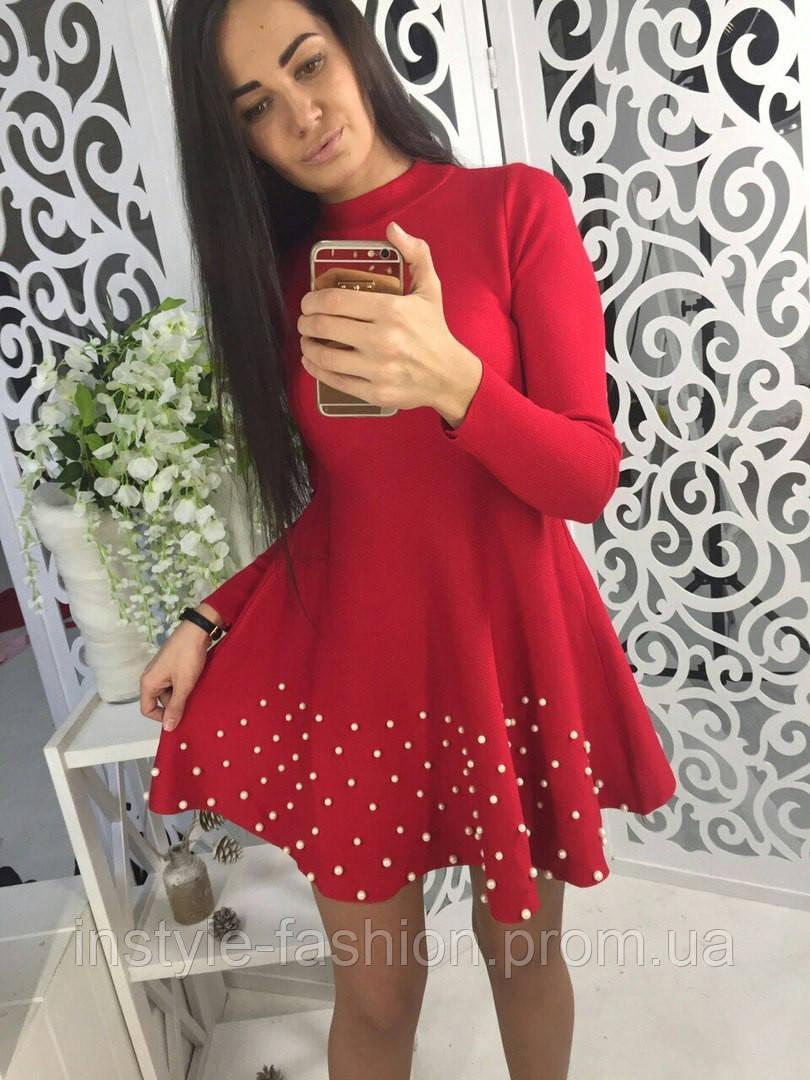 Очень красивое платье клеш с жемчугом ткань трикотаж машинная вязка красное