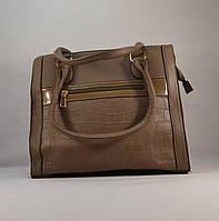 Стильная вместительная бежевая женская сумка 11002
