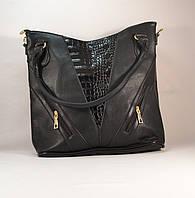Черная женская вместительная сумочка с вставкой лаку 11006