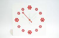 """Часы """"Красные цветы"""""""