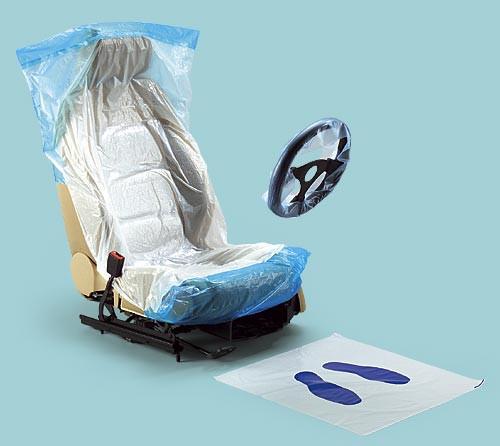 Одноразовые защитные материалы для салона автомобиля.