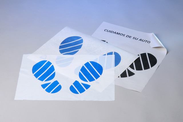 Бумажные коврики для салона автомобиля