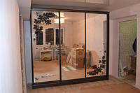 Офисная мебель шкаф купе зеркальный под заказ