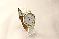 Женские часы Geneva  Белые,ремешок узор ромб, в Одессе