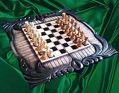 Шахматы в резьбе на подарок