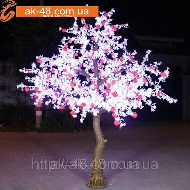 Светящаяеся дерево яблоня.