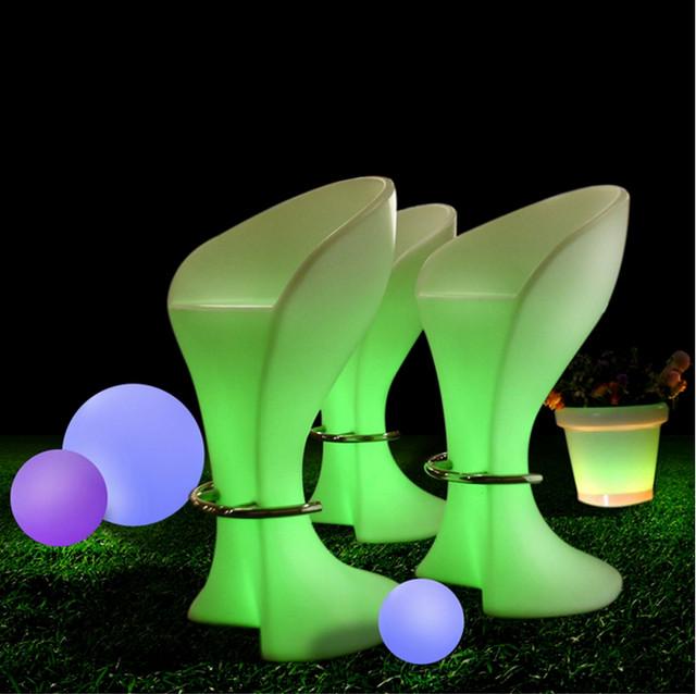 Светящаяся мебель барнные стулья.