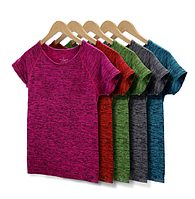 Женская однотонная футболка