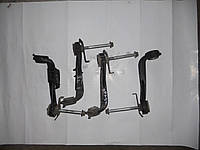 Кронштейн подрамника на Renault Trafic, Opel Vivaro, Nissan Primastar