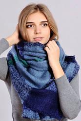 Теплый клетчатый шарф синего цвета