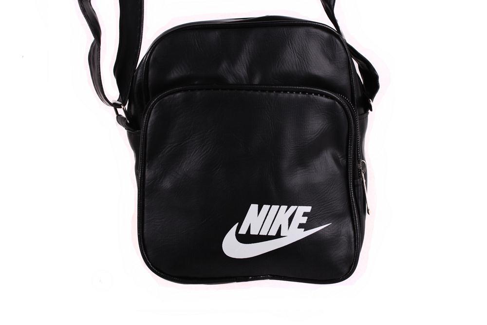 Спортивная сумка Nike через плечо черная