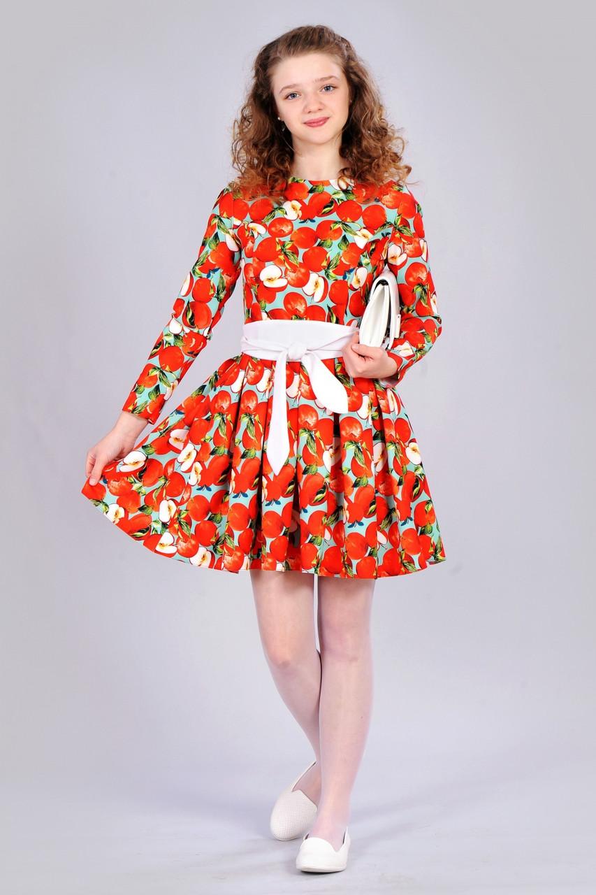 """Яркое подростковое платье с принтом """"яблоко"""""""
