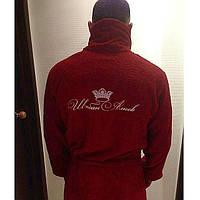 Мужской бордовый махровый халат с вышивкой
