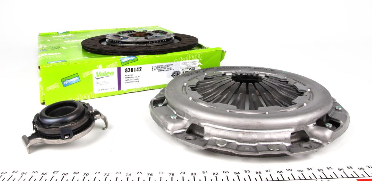 Комплект сцепления Fiat Doblo 1.3D (d=220мм) Multijet 2010->  Valeo 828142 - Франция