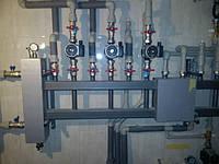 Гидровыравниватель с коллектором на 5 контуров фирмы Hidromix (3 стояка отопления с насосами Grundfos и две ветки для теплого пола) на дом 240 м2 в г.Полтава