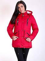 Красная зимняя куртка с капюшоном