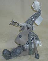 Текстильная игрушка-подарок Олень сидячий серый